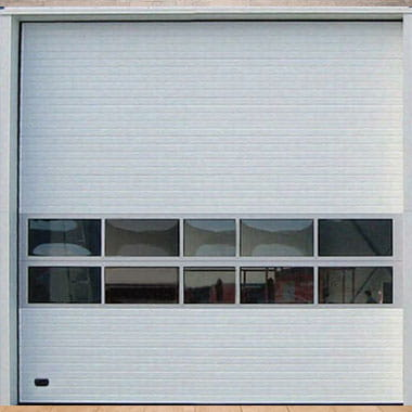 usi de garaj industriale albe cu ferestre
